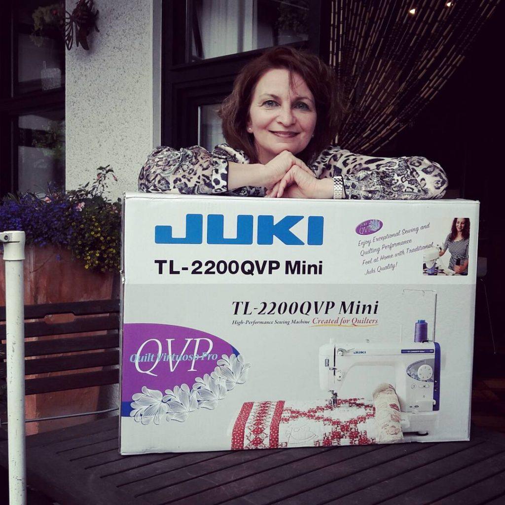 misssewing and her JUKI tartan xmasqal Woche 7